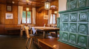 Rustikale traditionelle Stube im Natur Erlebnis Hotel am Höchsten